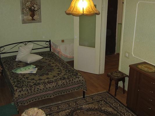 1-комнатная квартира посуточно в Мариуполе. ул. Кронштадтская, 6. Фото 1