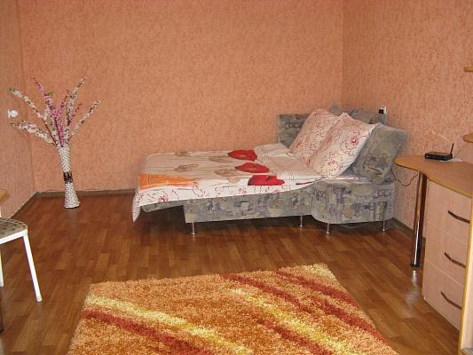 1-комнатная квартира посуточно в Харькове. Дзержинский район, ул. 23 Августа, д.29. Фото 1