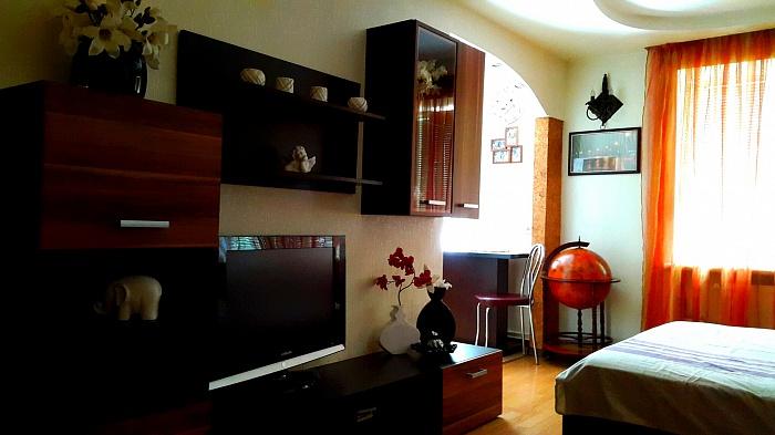 1-комнатная квартира посуточно в Тернополе. ул. Мира, 2. Фото 1