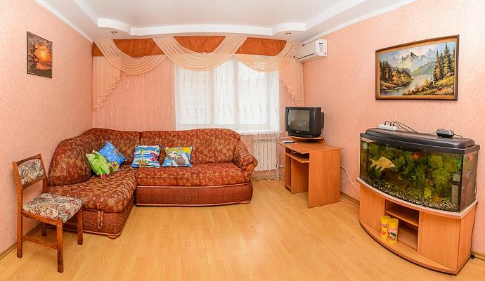 2-комнатная квартира посуточно в Сумах. Ковпаковский район, ул. Металлургов, 32б. Фото 1