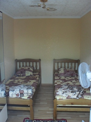 1-комнатная квартира посуточно в Бердянске. ул. Нахимова, 23. Фото 1