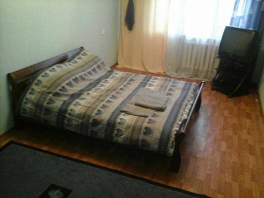2-комнатная квартира посуточно в Харькове. Ленинский район, полтавский шлях, 156. Фото 1