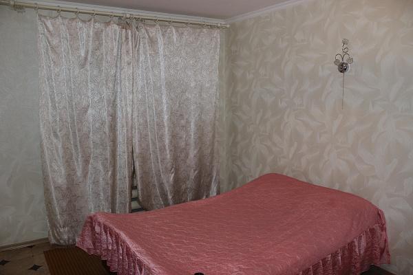 3-комнатная квартира посуточно в Шостке. ул. Щедрина, 5. Фото 1
