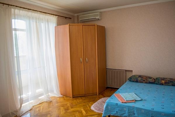 2-комнатная квартира посуточно в Харькове. Дзержинский район, ул.Космическая, 25. Фото 1