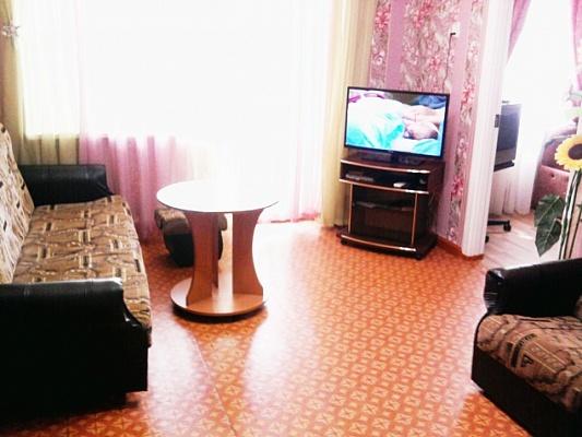 2-комнатная квартира посуточно в Приморском. ул. Советская, 24. Фото 1