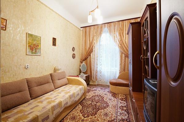 1-комнатная квартира посуточно в Львове. Галицкий район, ул. Карпинского, 12. Фото 1