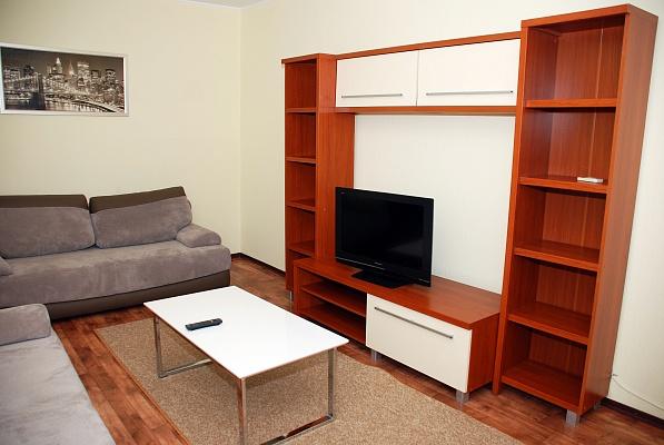 3-комнатная квартира посуточно в Донецке. Киевский район, ул. Университетская, 132. Фото 1