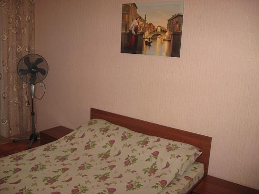 1-комнатная квартира посуточно в Ровно. пр-т Мира, 25. Фото 1