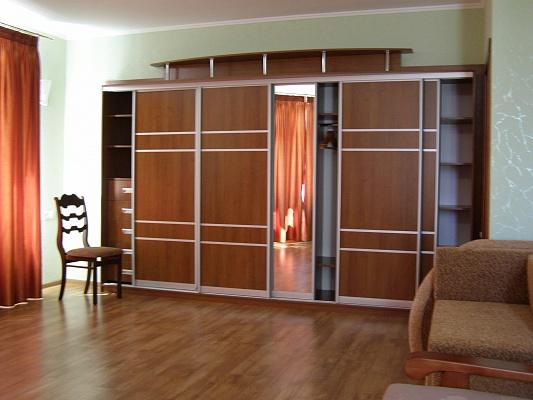 3-комнатная квартира посуточно в Бердянске. ул. Мазина, 17. Фото 1
