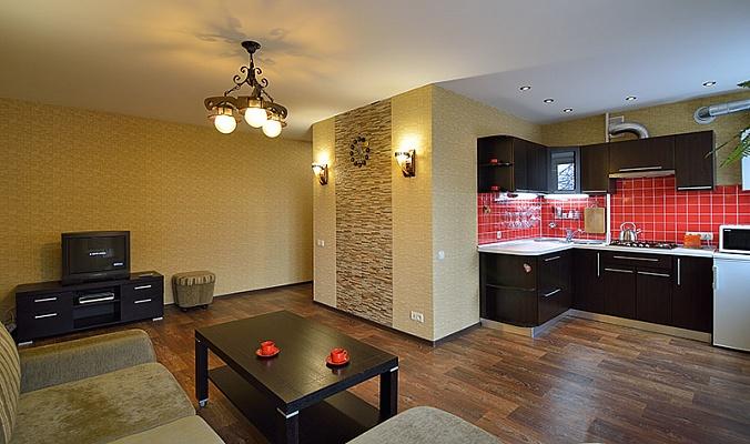2-комнатная квартира посуточно в Днепропетровске. Октябрьский район, пр-т Д. Яворницкого, 8. Фото 1