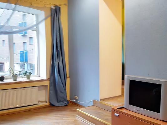 1-комнатная квартира посуточно в Харькове. Киевский район, ул. Ольминского, 5. Фото 1