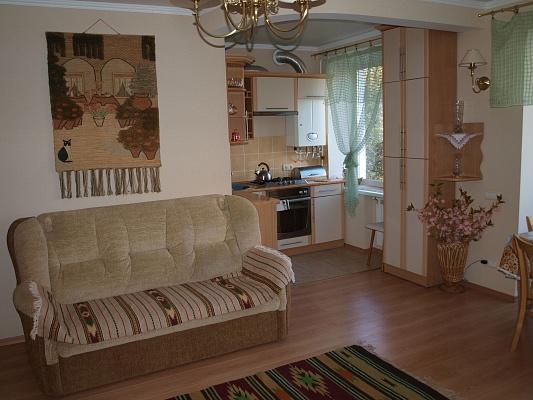 2-комнатная квартира посуточно в Житомире. пл. Соборная, 7. Фото 1