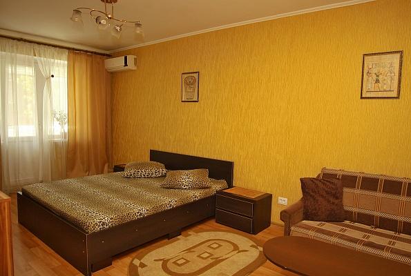 1-комнатная квартира посуточно в Кривом Роге. Саксаганский район, ул. Балакина, 29. Фото 1