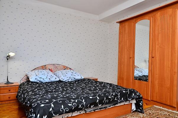 1-комнатная квартира посуточно в Киеве. Шевченковский район, ул. Белорусская, 23. Фото 1