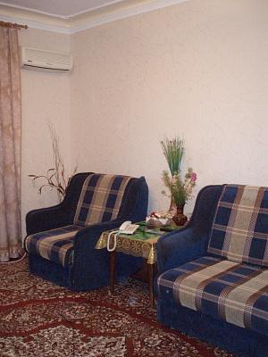 1-комнатная квартира посуточно в Ялте. ул. Чкалова, 1. Фото 1