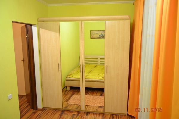 2-комнатная квартира посуточно в Донецке. Ворошиловский район, ул. 50-летия СССР, 148. Фото 1