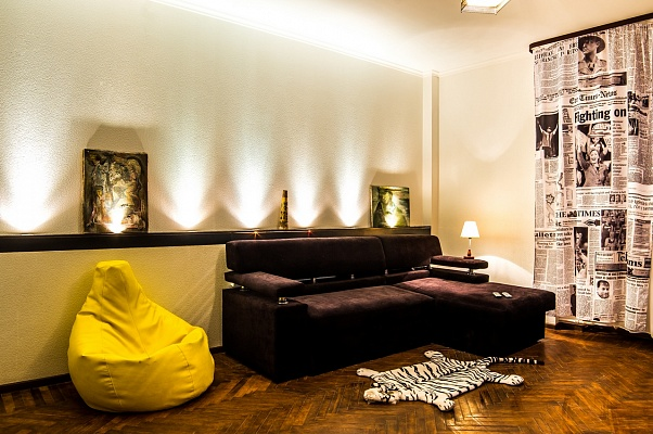 2-комнатная квартира посуточно в Харькове. Дзержинский район, ул.Данилевского, 8. Фото 1