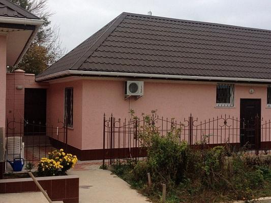 Дом  посуточно в Севастополе. Гагаринский район, ул. Михайлова, 26. Фото 1