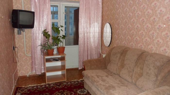 2-комнатная квартира посуточно в Новомосковске. ул. Гетьманская (Советская), 50. Фото 1