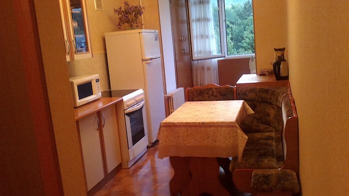 1-комнатная квартира посуточно в Коростене. ул. Грушевского, 44. Фото 1