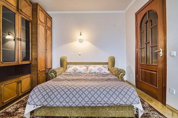 3-комнатная квартира посуточно в Львове. Сиховский район, ул. Красной Калины, 49. Фото 1