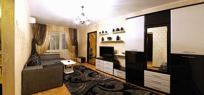 2-комнатная квартира посуточно в Николаеве. Центральный район, ул. Никольская, 52/1. Фото 1