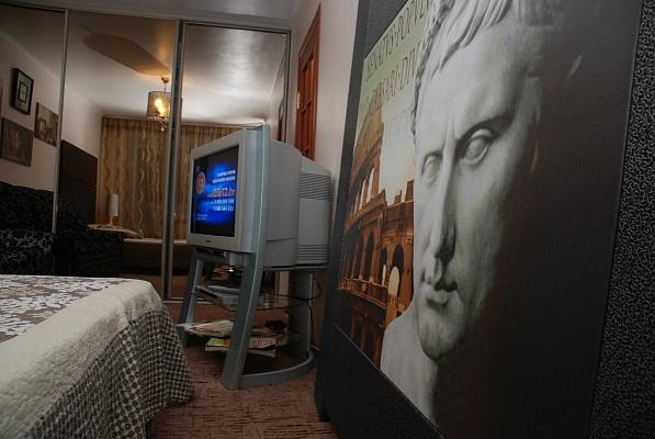 1-комнатная квартира посуточно в Тернополе. ул. Мира, 3. Фото 1