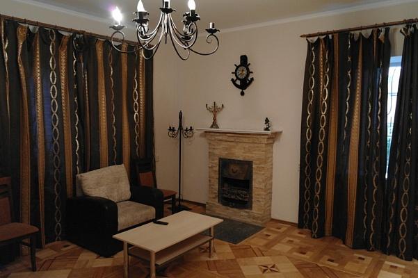 Дом  посуточно в Одессе. Приморский район, ул. Новобереговая. Фото 1