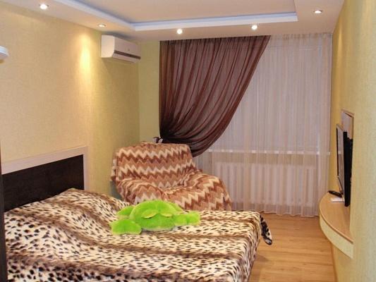 1-комнатная квартира посуточно в Мелитополе. ул. Шмидта, 38. Фото 1