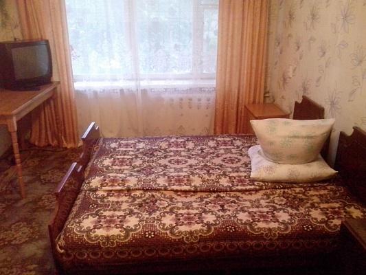 1-комнатная квартира посуточно в Бердянске. первомайская, 34. Фото 1