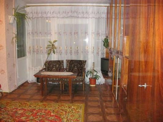 1-комнатная квартира посуточно в Шостке. ул.Депутатская, 15. Фото 1
