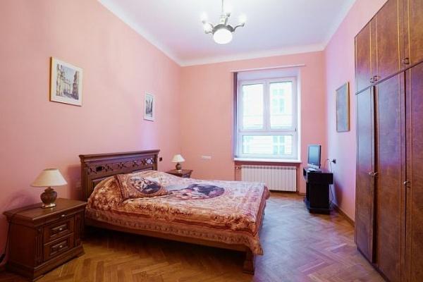 1-комнатная квартира посуточно в Львове. Галицкий район, ул.Брюлова, 8. Фото 1