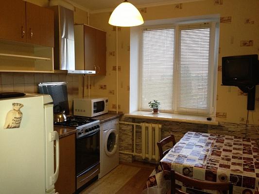 1-комнатная квартира посуточно в Ильичёвске. Пригород район, ул. Александрийская, 12. Фото 1