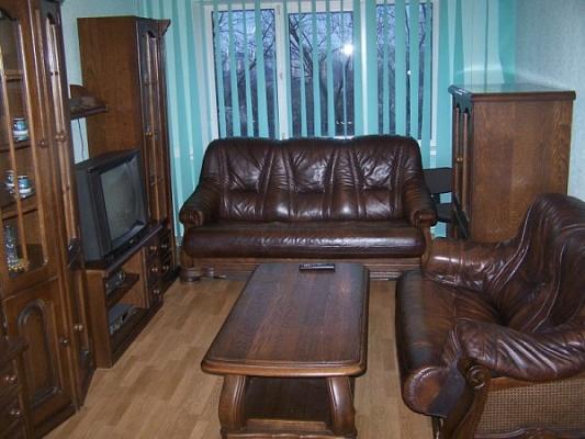 2-комнатная квартира посуточно в Запорожье. Ленинский район, Днепр. шоссе, 60. Фото 1