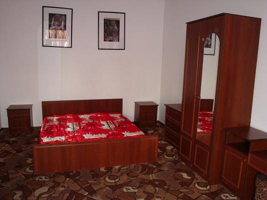 1-комнатная квартира посуточно в Херсоне. Суворовский район, ул. 40 лет Октября. Фото 1