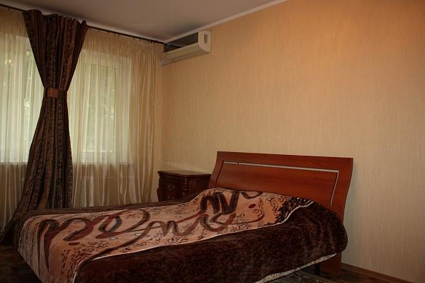 2-комнатная квартира посуточно в Одессе. Киевский район, Фонтанская дорога, 30/32. Фото 1