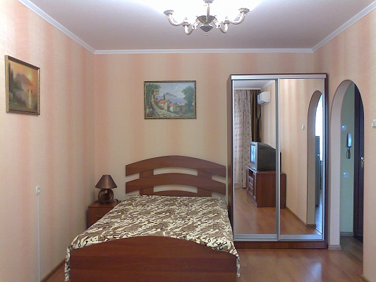 1-комнатная квартира посуточно в Симферополе. Киевский район, пр-т Победы, 62. Фото 1