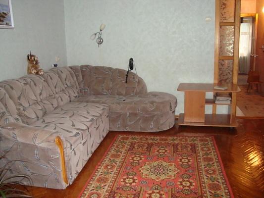 2-комнатная квартира посуточно в Феодосии. ул. Дружбы, 22. Фото 1