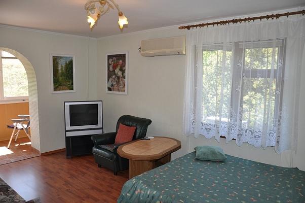 2-комнатная квартира посуточно в Партените. ул. Солнечная, 15. Фото 1