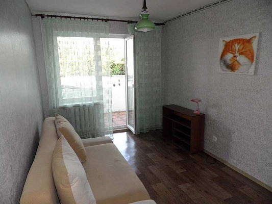 2-комнатная квартира посуточно в Севастополе. Гагаринский район, ул. Н.Островской, 14а. Фото 1