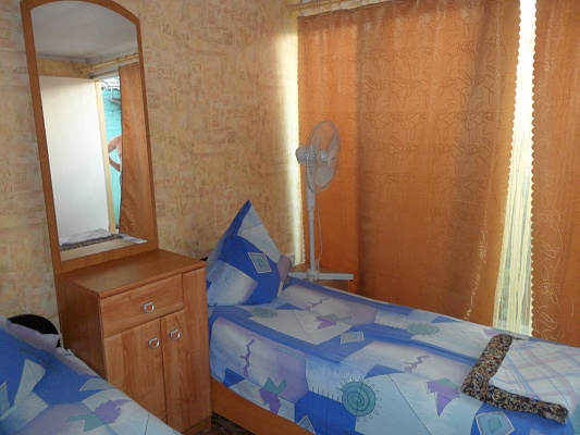 Мини-отель  посуточно в Бердянске. ул. Дачная, 74. Фото 1