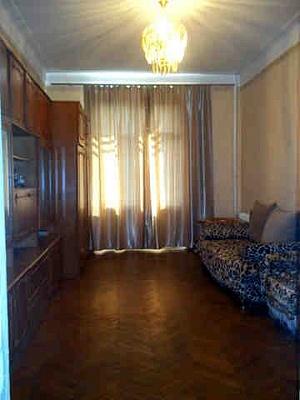2-комнатная квартира посуточно в Днепропетровске. Бабушкинский район, пр-т Карла Маркса, 54. Фото 1