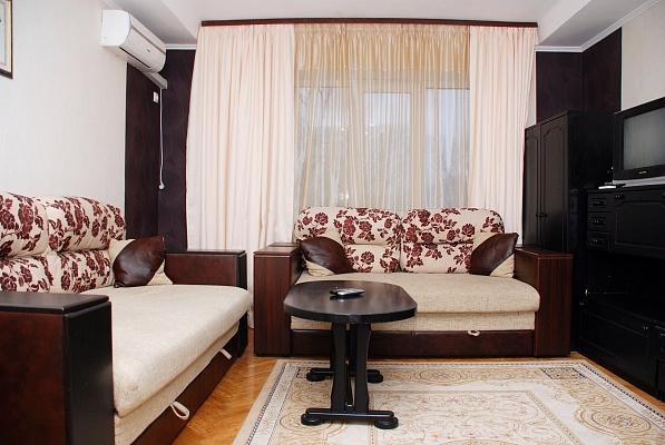 3-комнатная квартира посуточно в Киеве. Печерский район, б-р Леси Украинки, 5. Фото 1