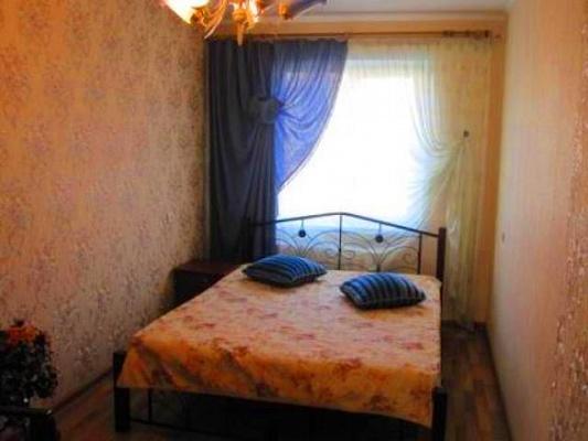 2-комнатная квартира посуточно в Керчи. ул. Кирова, 67. Фото 1
