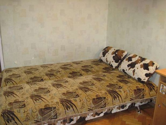 2-комнатная квартира посуточно в Одессе. Малиновский район, ул. Космонавтов, 6. Фото 1