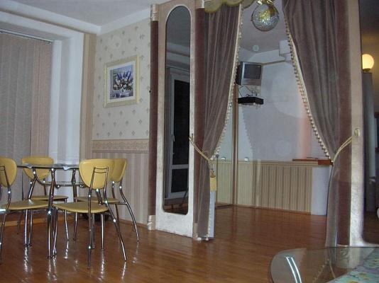 2-комнатная квартира посуточно в Виннице. Ленинский район, ул. Артынова, 55. Фото 1