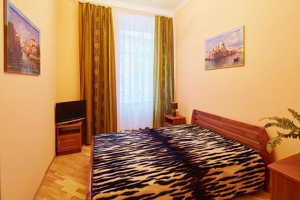 3-комнатная квартира посуточно в Львове. Галицкий район, ул. Краковская, 34. Фото 1