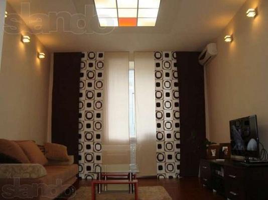 2-комнатная квартира посуточно в Никополе. ул. Шевченко, 91. Фото 1
