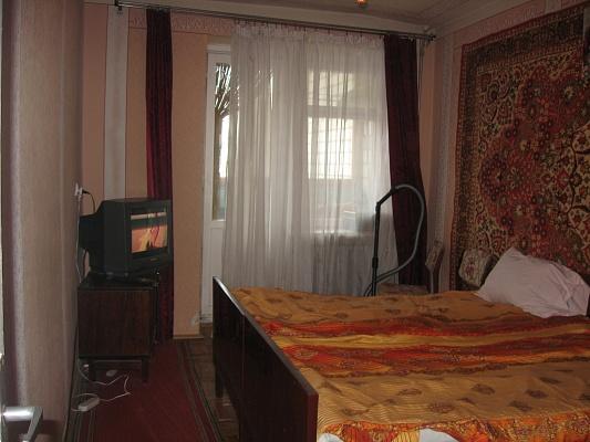 1-комнатная квартира посуточно в Трускавце. ул. Стебницкая, 72. Фото 1
