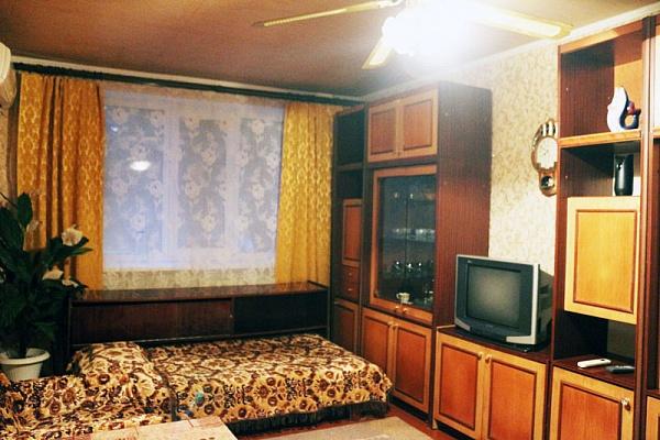 1-комнатная квартира посуточно в Феодосии. Феодосия, Красноармейская, 23,, 23, 23. Фото 1